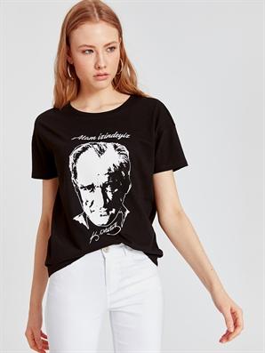 Atatürk Baskılı Pamuklu Tişört Lc Waikiki Lcw 9st461z8 – Cvl – Yeni Siyah – 24.99 TL