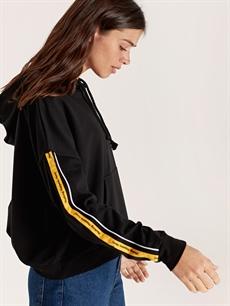 Siyah Kolları Şerit Detaylı Kapüşonlu Sweatshirt 9WL191Z8 LC Waikiki