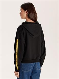 Kadın Kolları Şerit Detaylı Kapüşonlu Sweatshirt